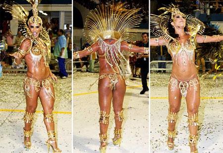 Fotos de Scheila Carvalho desfilando no Carnaval 2009