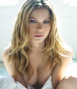 Loira Karen Kounrouzan Fotos De Fernanda Young Na Playboy Novembro