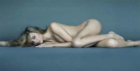 Foto da modelo australiana Miranda Lerr nua