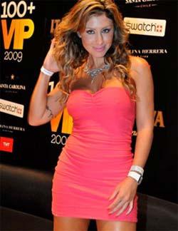Jaqueline Khury sem calcinha em evento da VIP