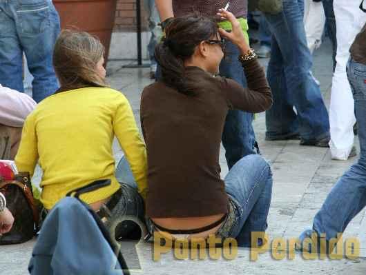 Fotos de Mulheres Gostosas Pagando Cofrinho
