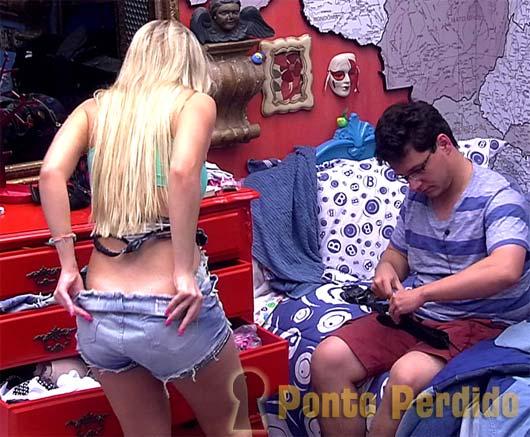 Flagras no BBB 13: Fernanda Keulla